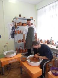 Мартынов Богдан Сергеевич на мастер-классе по гончарству.